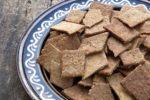 【レシピ】ごまとアーモンドの全粒粉入りクラッカー
